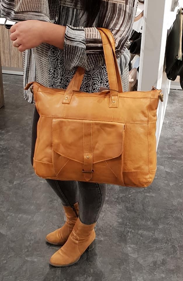 31570186222 Det danske mærke Dixie, der udelukkende designer accessories til de  stilbevidste kvinder. Dixie er et kendt mærke, der særligt har været kendt  for tasker og ...